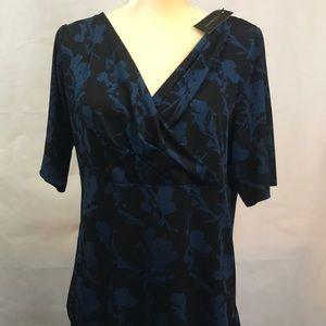 Lane Bryant Black/Dark Blue Floral Pattern shirt